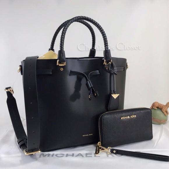 e24abba83de3 Michael Kors Bags | Nwt Blakely Bucket Bag And Wallet | Poshmark